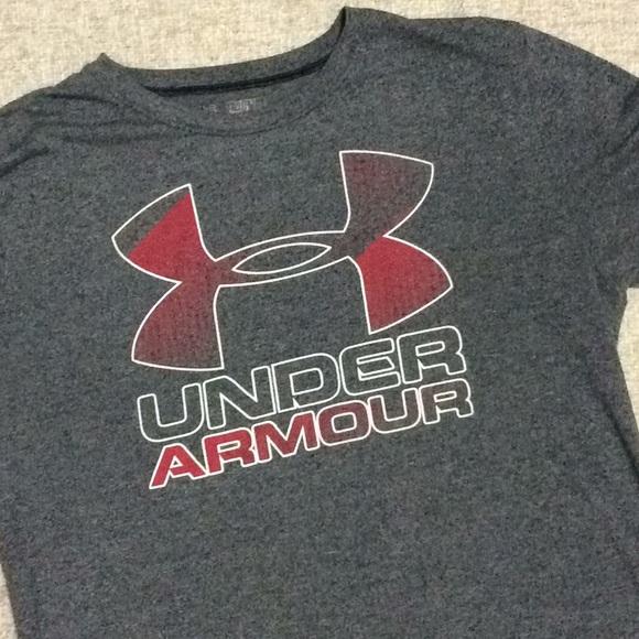 Under Armour Other - Under Armour Boys YXL short sleeve gray loose